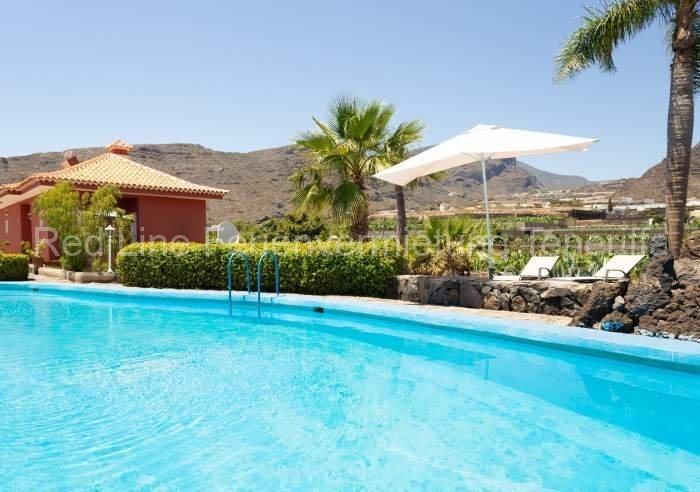 Teneriffa Villa auf Finca mit Pool, großem Garten und Terrasse 01