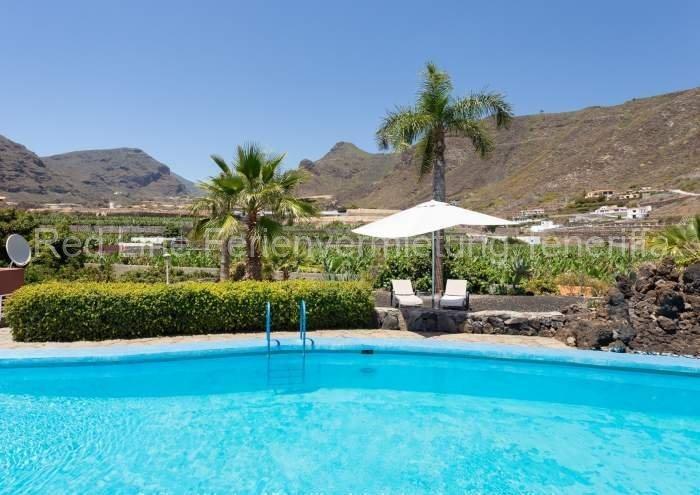 Teneriffa Villa auf Finca mit Pool, großem Garten und Terrasse 011
