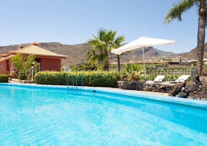 Teneriffa Villa auf Finca mit Pool, großem Garten und Terrasse 012