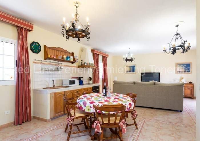 Teneriffa Villa auf Finca mit Pool, großem Garten und Terrasse 05