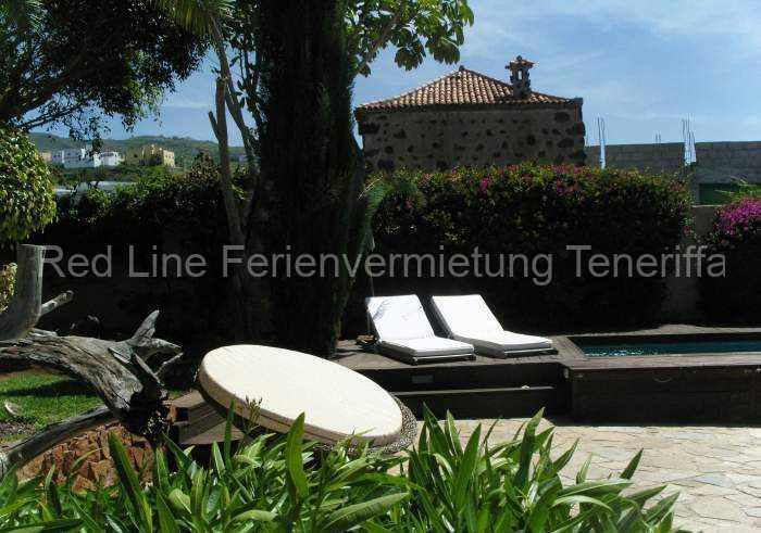 Ferienhaus auf Gartengrundstück mit Pool 014