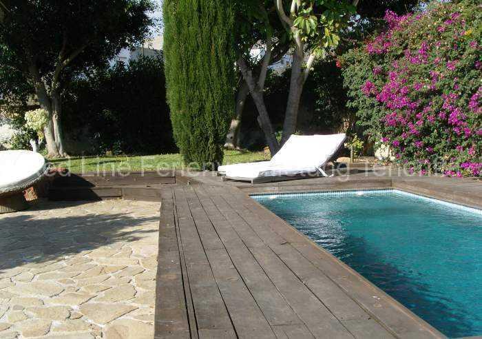 Ferienhaus auf Gartengrundstück mit Pool 016