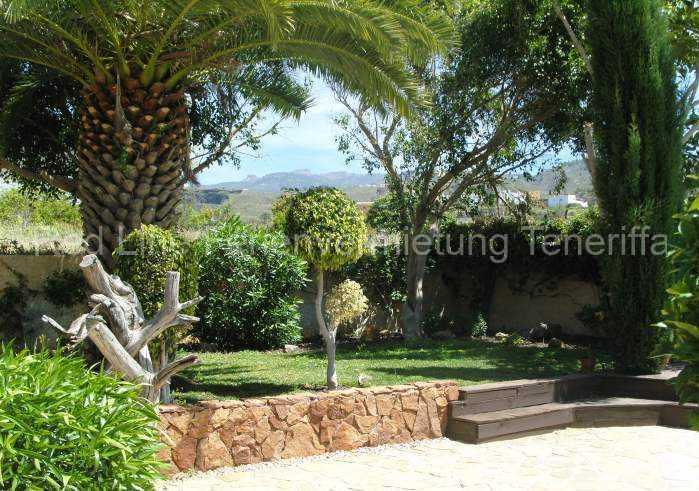 Ferienhaus auf Gartengrundstück mit Pool 018