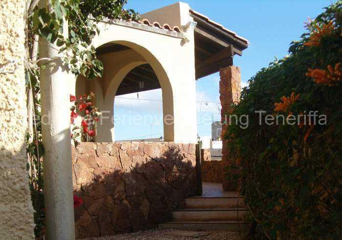 Ferienhaus auf Gartengrundstück mit Pool 020