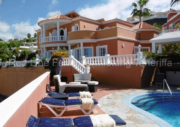 Ferien-Villa mit beheizbarem Privatpool in Playa las Americas 048