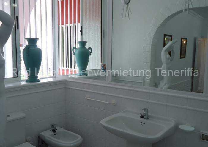 Moderne Luxus-Ferienvilla_019