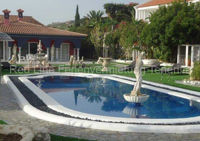 Moderne Luxus-Ferienvilla_023
