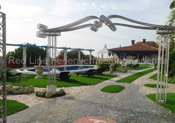 Moderne Luxus-Ferienvilla_027