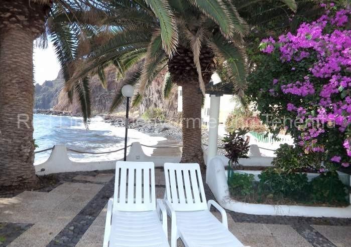 Schönes Ferienapartment mit eigenem Strand - 023