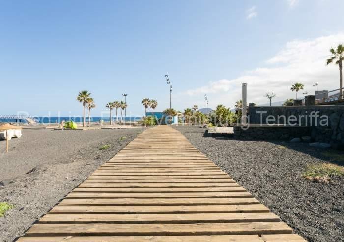 Moderne Ferienwohnung mit Pool direkt am Strand in Candelaria - 035