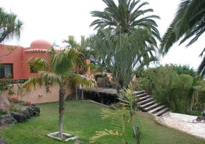 Exklusive Luxusfinca mit großem Poolbereich in Playa San Juan