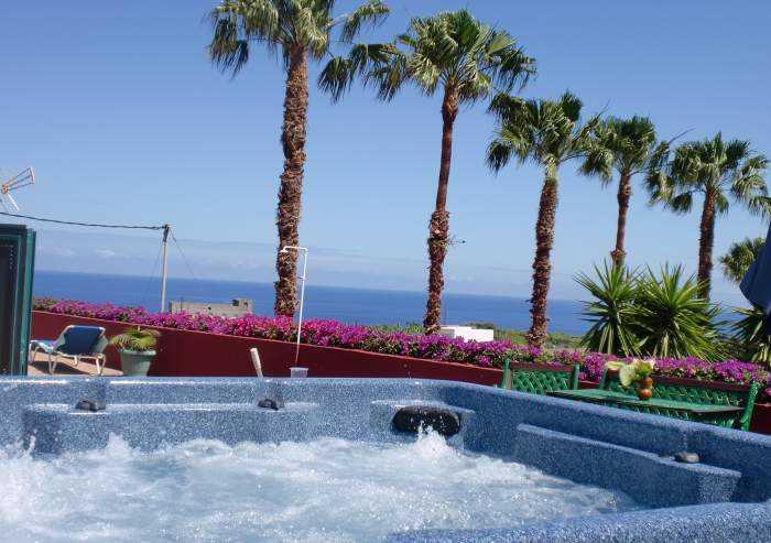 ID 4040 Doppelbungalow für 8 Personen mit Grillbereich und Pool auf Finca
