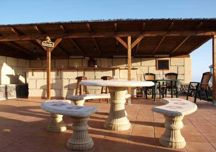 Schöne Wohnung auf Finca im Süden mit Pool, Terrasse + Außendusche