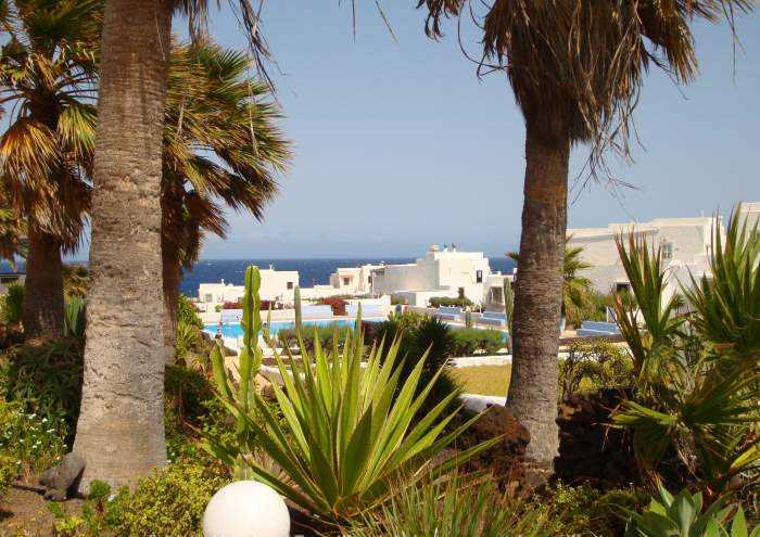 Bungalow in direkter Strandlage mit Tennisplatz und Pool in Poris