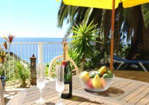 Teneriffa Ferienhaus. Strandnahe Urlaubsvilla mit solarbeheiztem Pool im sonnigen Südwesten.