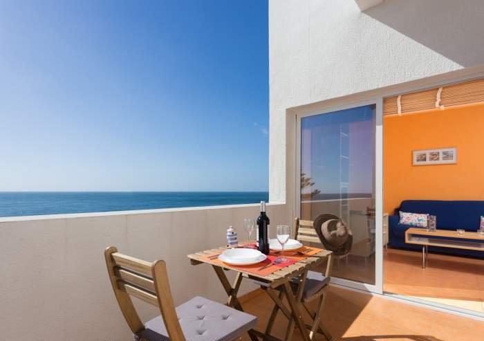 Teneriffa Ferienwohnung mit herrlichem Blick direkt am Strand Las Gaviotas