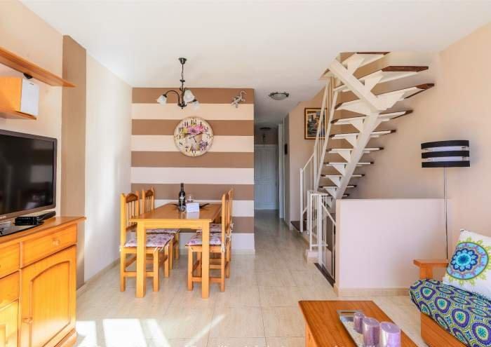 Ferienwohnung mit Dachterrasse, Meerblick und Pool in Callao Salvaje
