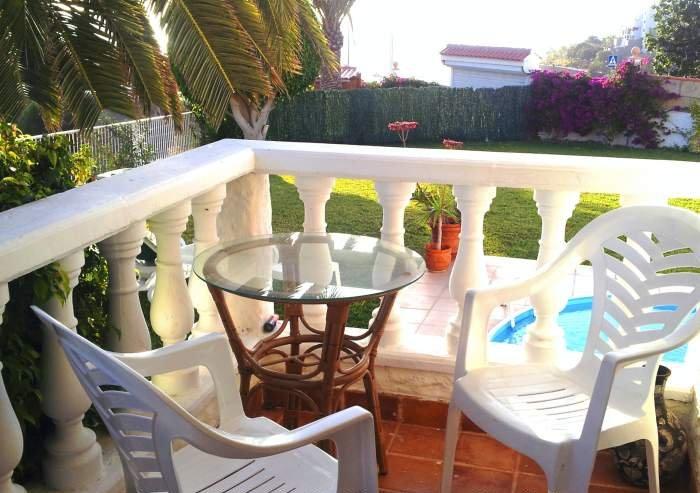 Strandnahe Urlaubsvilla mit solarbeheiztem Pool im sonnigen Südwesten
