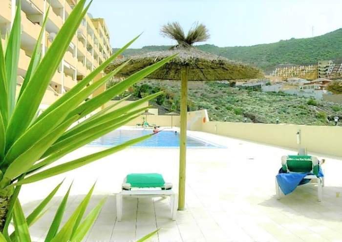 Teneriffa Große Ferienwohnung mit Pool, Grill und toller Aussicht in Adeje