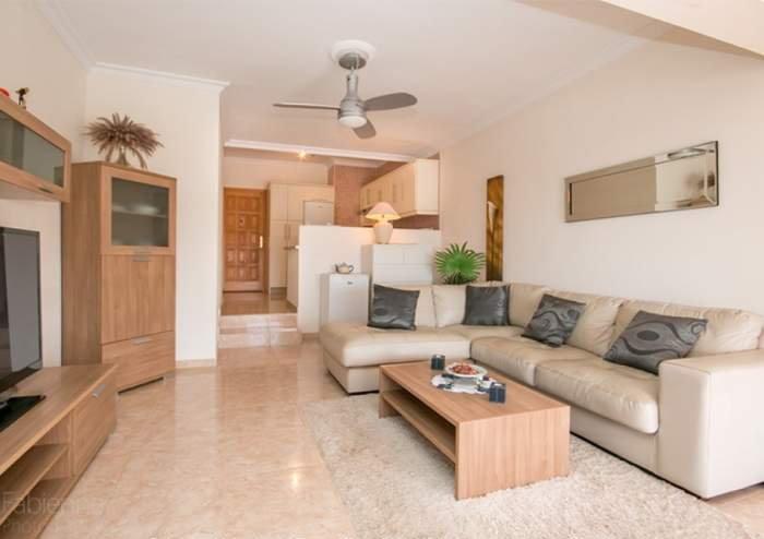 Teneriffa Gut ausgestattete Ferienwohnung mit Pool am Strand in Callao Salvaje.