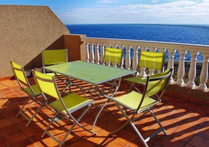 Teneriffa Ferienwohnung mit großer Terrasse und atemberaubendem Meerblick in Poris Abona. Rollstuhlfahrer Geeignet.
