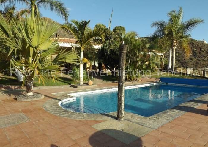 Teneriffa. Luxus-Ferienhaus mit Pool und Garten im Südwesten