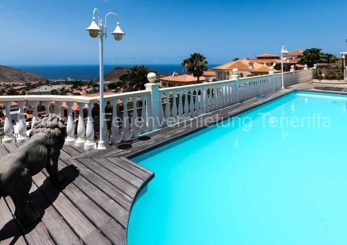Teneriffa Luxus-Ferienwohnung Luxus pur – ruhige Penthousewohnung mit Pool und Terrasse im Süden