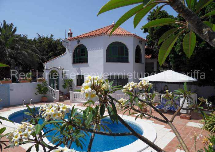 Teneriffa Ferienhaus mit Terrasse, Privatpool und Parkplatz