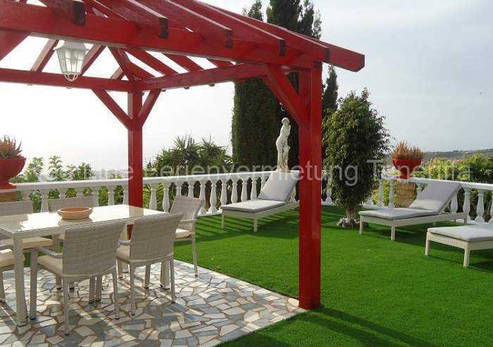 Teneriffa Ferienhaus. Moderne Villa in Las Moraditas bei Adeje mit Garten und Pool.