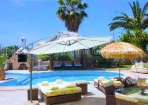 Teneriffa Luxus-Ferienhaus. Exklusive, Rollstuhl geeignetes, strandnahe Villa mit Poolbereich, großem Garten und Terrasse
