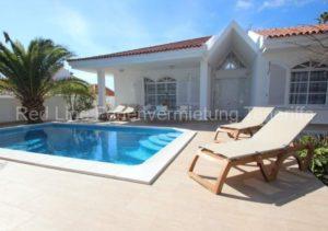 Teneriffa Luxus-Ferienhaus. Hochwertige Villa mit Garten, Terrasse u. Privatpool in Callao Salvaje