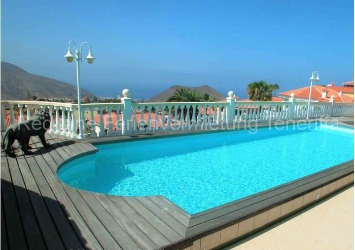 Teneriffa Luxus-Ferienwohnung. Schönes, luxuriöses Studio in Villengegend von Chayofa mit Pool.