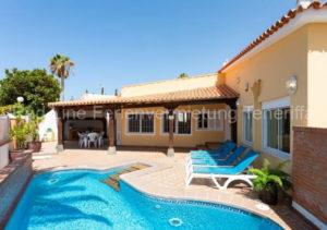 Teneriffa Luxus-Ferienhaus. Luxus-Ferienvilla für 9 Personen mit beheizbarem Pool