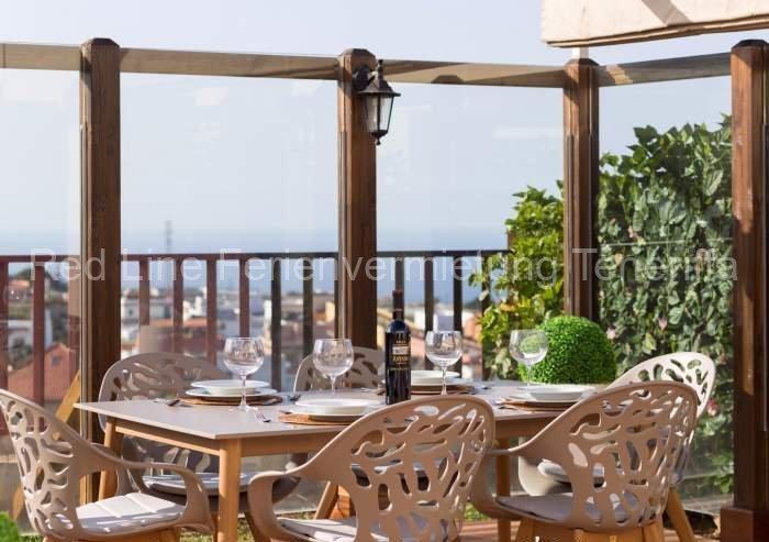 Teneriffa Luxus-Ferienhaus. Große Luxus-Ferienvilla im Norden von Teneriffa mit Meerblick und beheizten Privatpool
