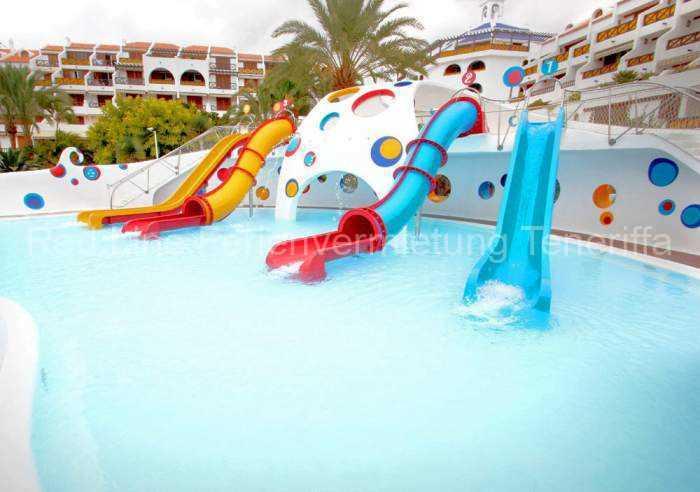 Strandnahe, schöne Luxus-Ferienwohnung in Las Americas mit Balkon